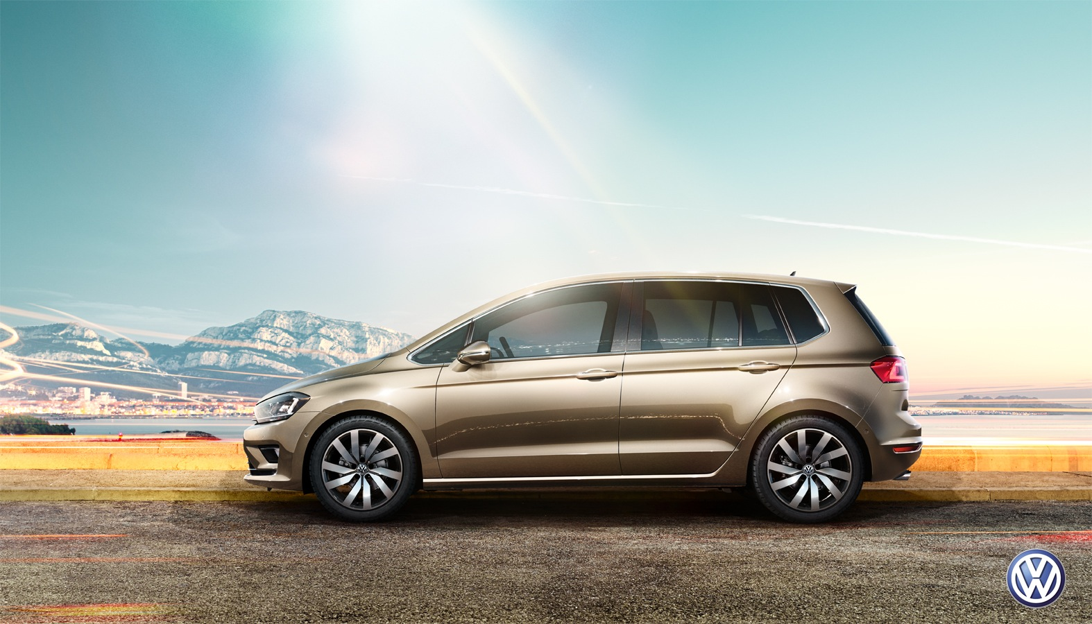 uwe duettmann shoots volkswagen golf sportsvan campaign. Black Bedroom Furniture Sets. Home Design Ideas