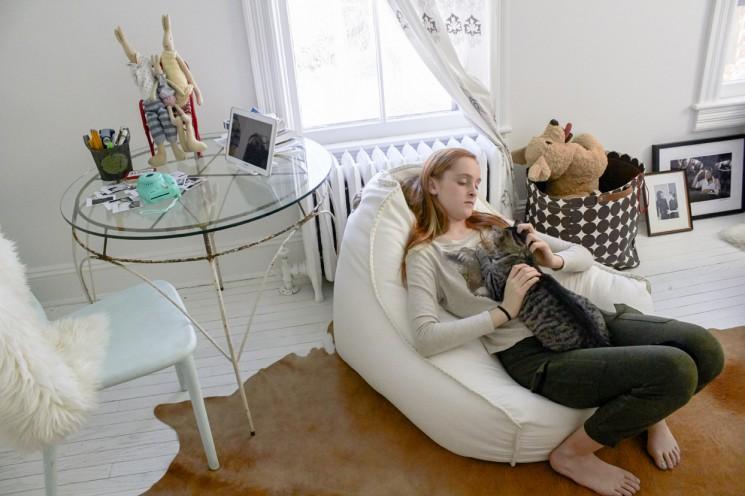 Melanie Acevedo_Violet in her room