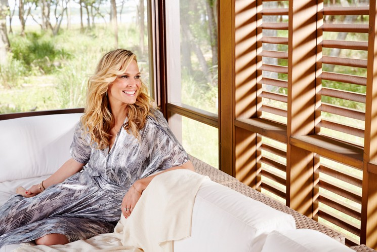 Melanie Acevedo_Molly Sims pool house